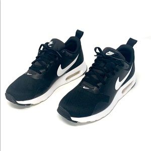 Women's Nike air max tavas black white 7